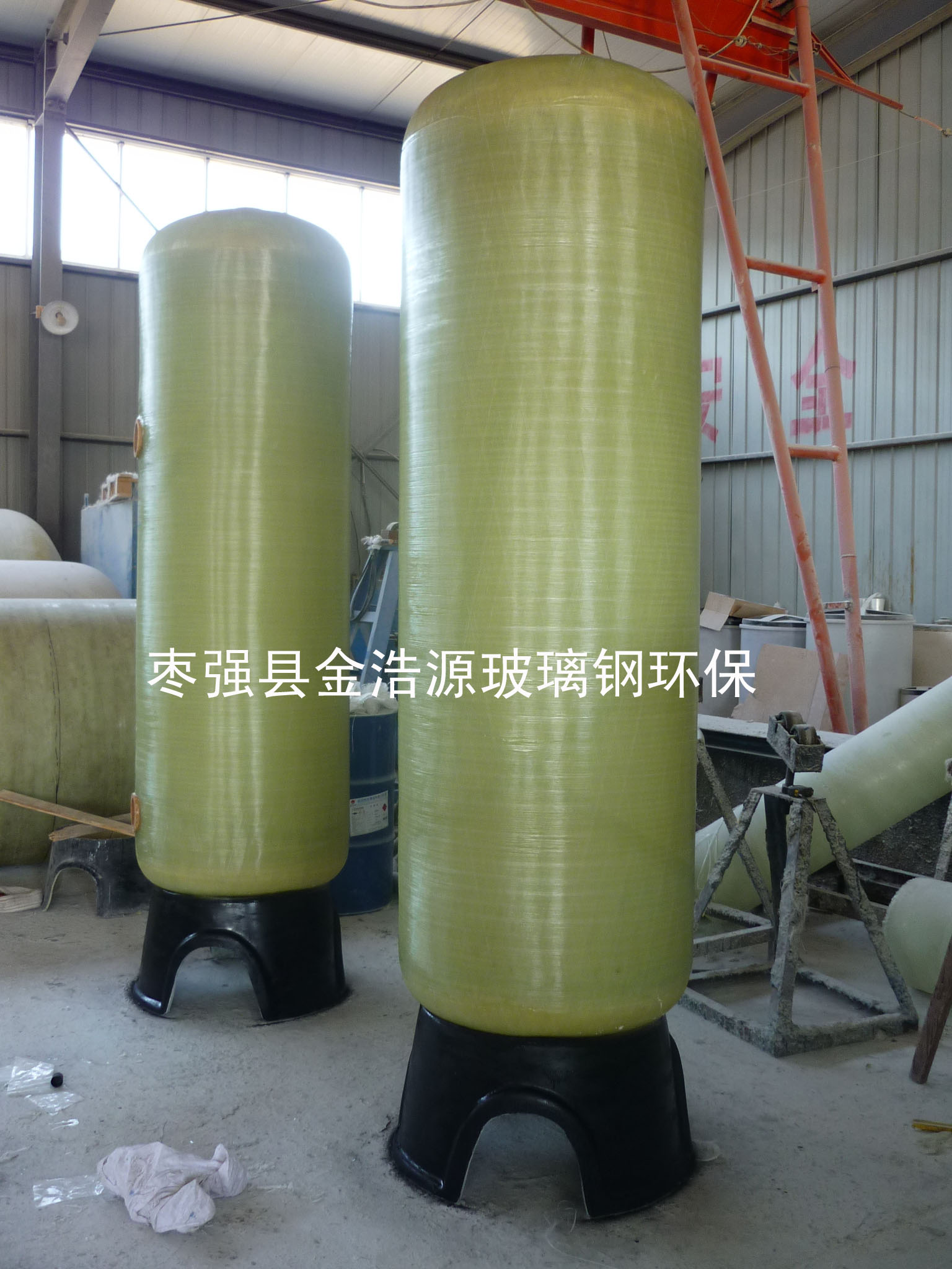 供应玻璃钢过滤罐树脂罐玻璃钢软水罐图片