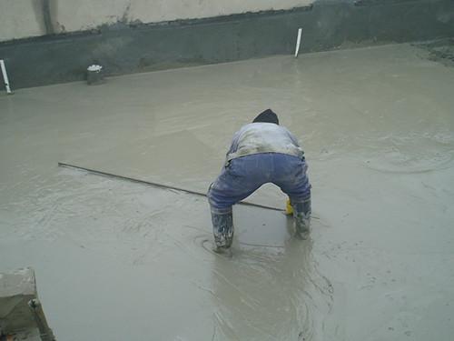 供应用于屋面保温层的浇灌发泡混凝土,施工价格低
