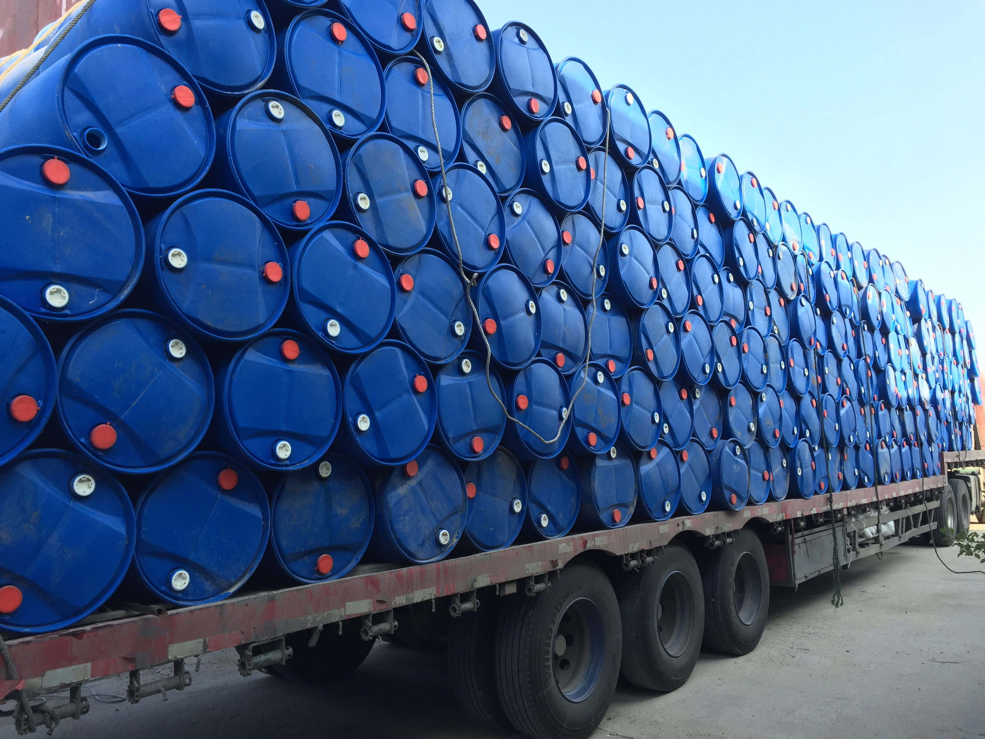 200L化工桶_1000L吨桶厂家走量发货_济宁200L化工桶厂家 200L化工桶|1000L吨桶