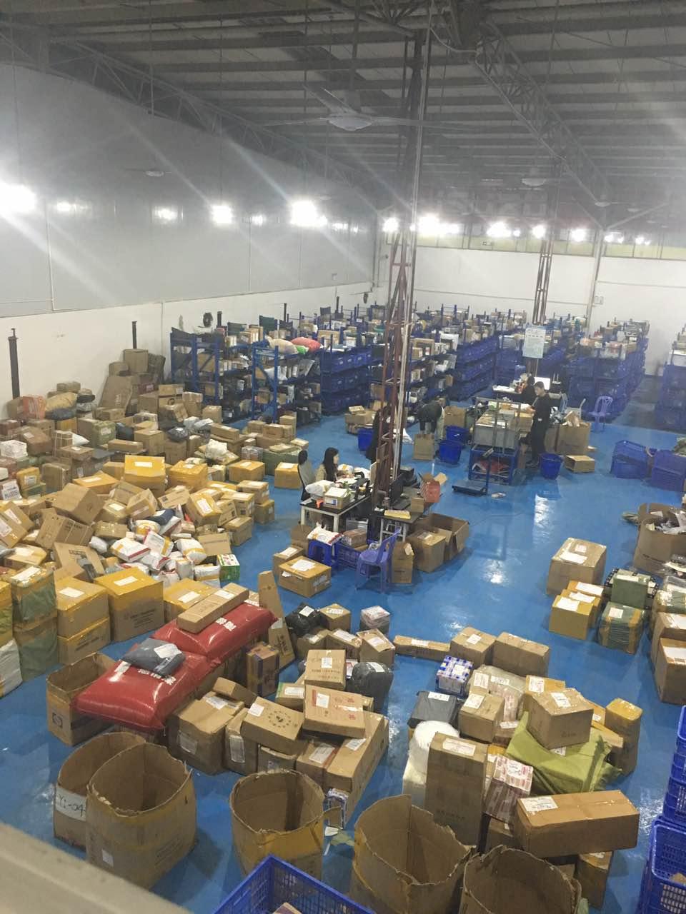 国际快递空运海运到越南专线双清包税到门可以走液体粉末化妆品