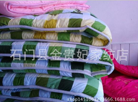七孔棉被子 学生单人棉被1.5x2m足尺带包 学生被子摆地摊 七孔棉被子直销 七孔棉被子直销hj