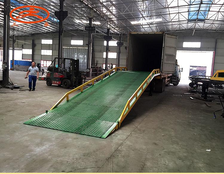 供应广东江门卸柜叉车平台3吨位批发卸柜叉车平台三良机械