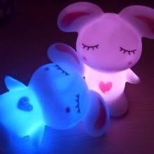 七彩迷你小夜灯搪胶玩具 搪胶玩具 小夜灯 灯饰