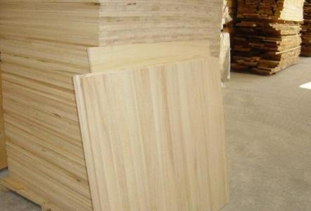 临颍县保发木业 白杨木板材厂家  白杨木板材价格 白杨木板材 白杨木烘干板材厂家 白杨烘干板材厂家 白杨板材厂家