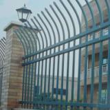 散装弯头防爬铁艺光伏发电厂外墙防护围栏厂家现货供应