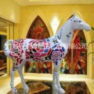 玻璃钢彩绘马雕塑图片