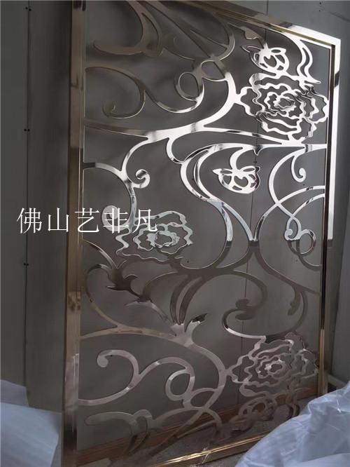 日照供应仿古铜浮雕背景铝板屏风 走廊铝艺雕刻隔断