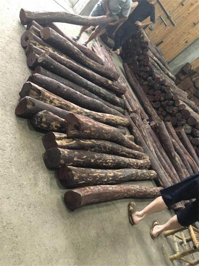 越印度小叶紫檀木加工_印度小叶紫檀木雕刻人物神像