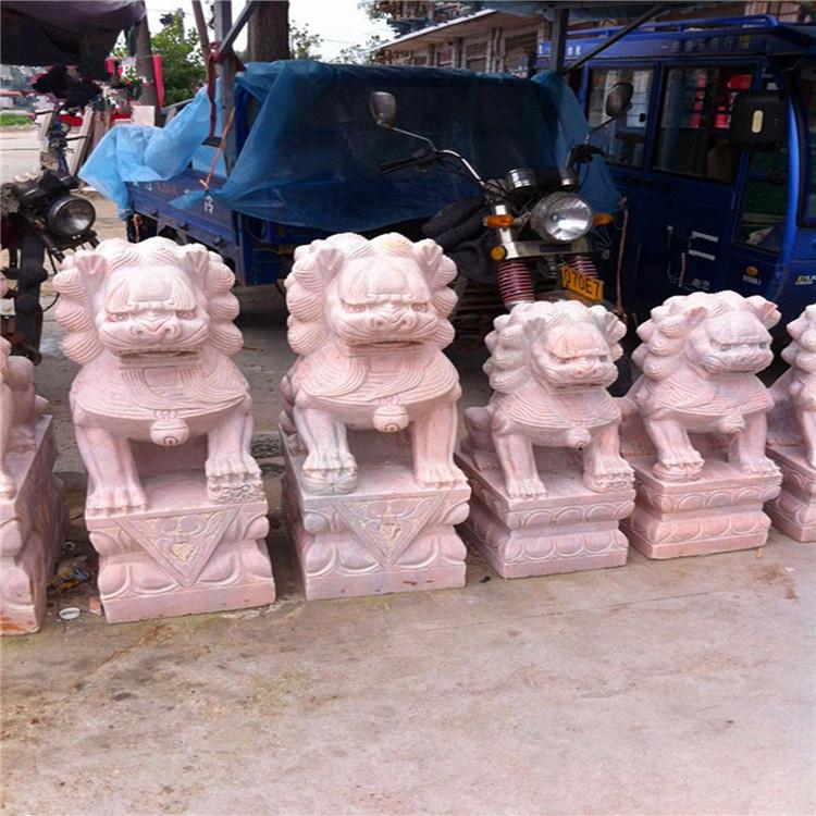 雕刻大理石石狮子 石雕石狮子有什么作用 具有挡煞和招财的作用