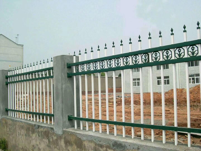 耐腐蚀锌钢围墙护栏